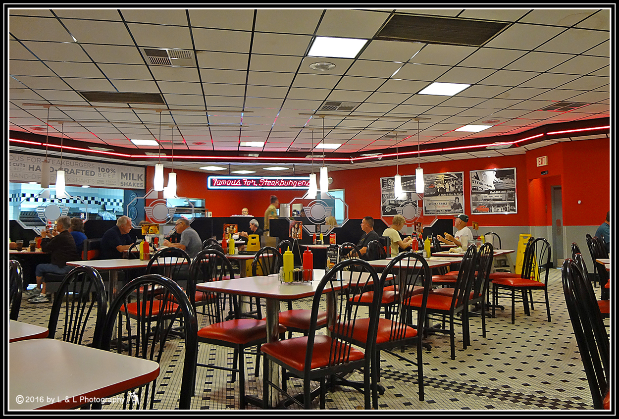 Steak 'n Shake Interior Back of the Menu